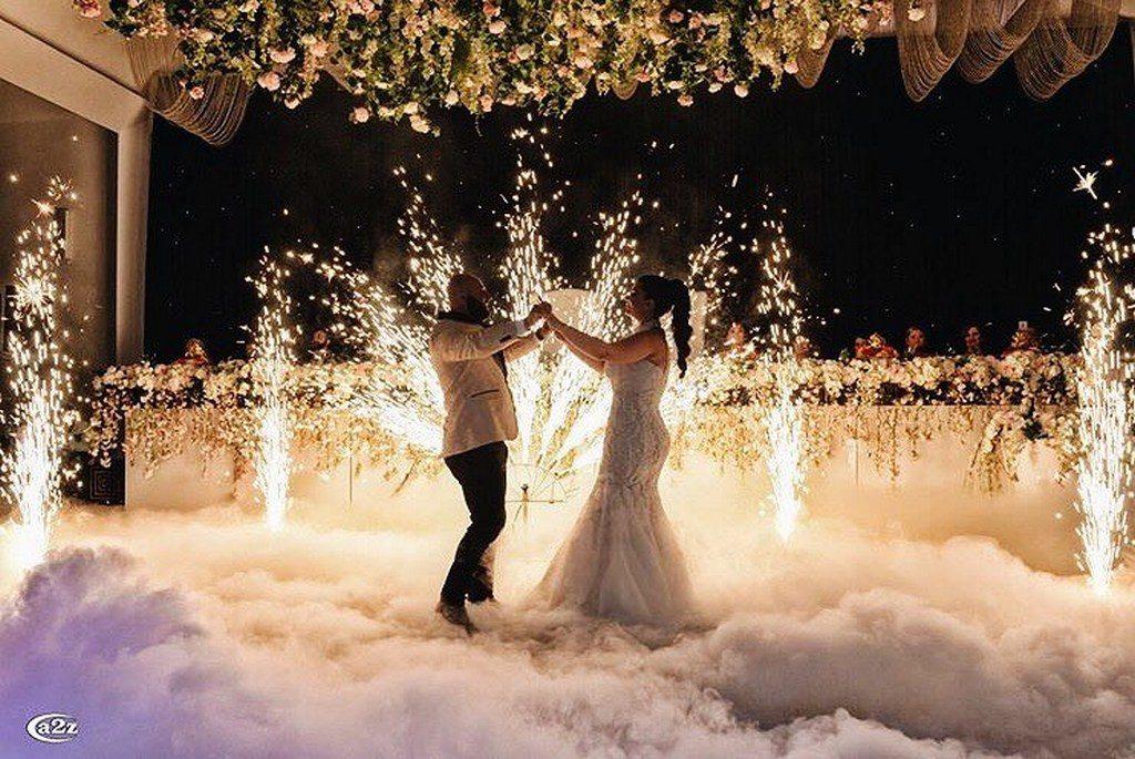 خرید لوازم نورافشانی که برای عروسی استفاده می شود