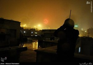 آتش بازی دهه فجر توسط نورافشانان